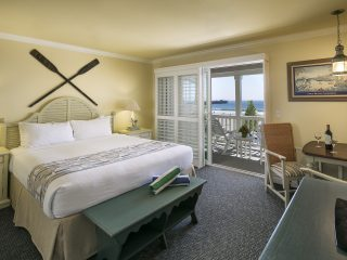 Avila Lighthouse Suites Oceanfront Suite with King Bed